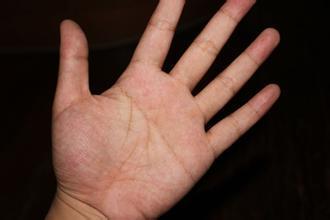 男人左手断掌的手相好吗.jpg