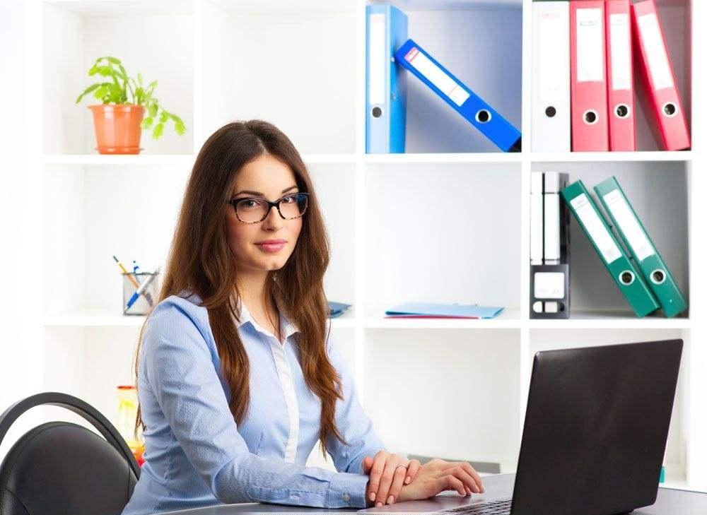 办公室女性.jpg